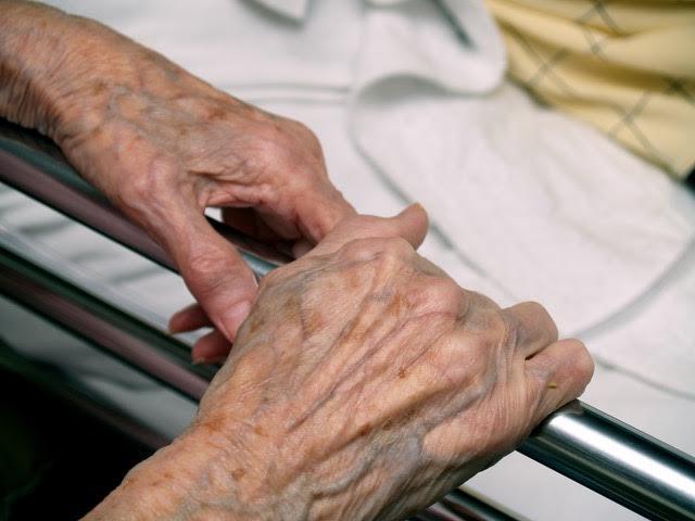 De zorg voor kwetsbare ouderen verbeteren